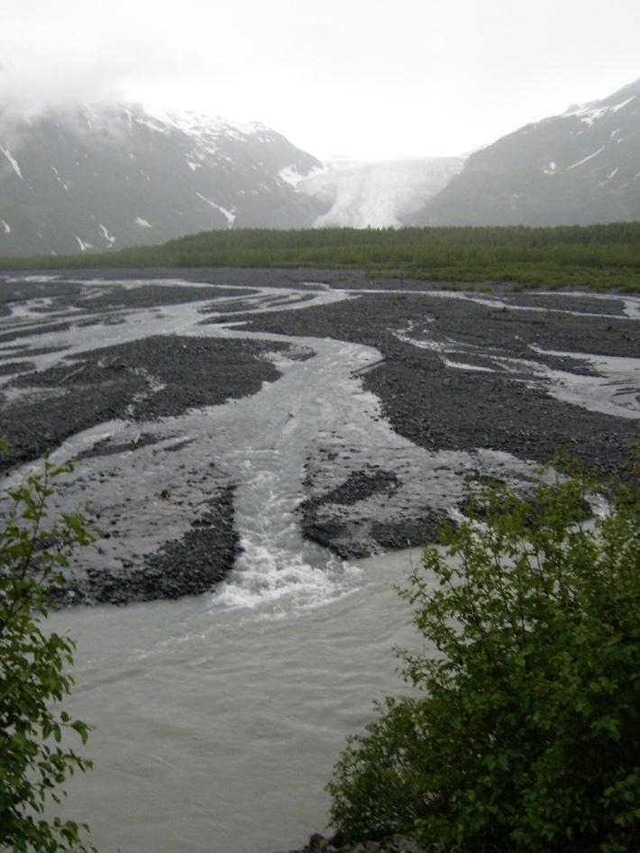 Glimsen-exit-glacier-vertical.jpg