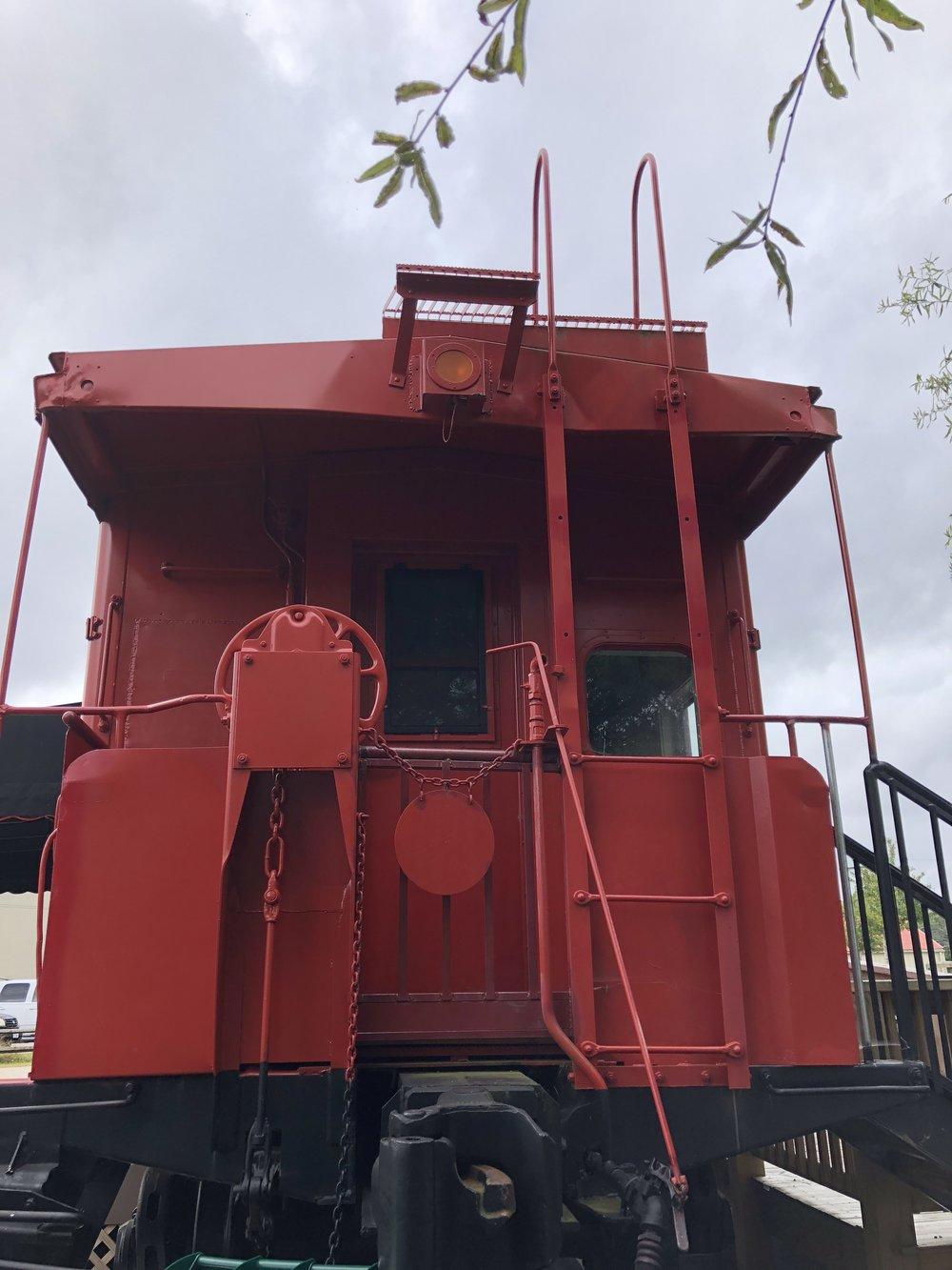 Glimsen-red-caboose.JPG