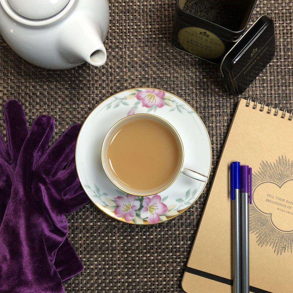 Glimsen-tea-gloves-pens.jpg