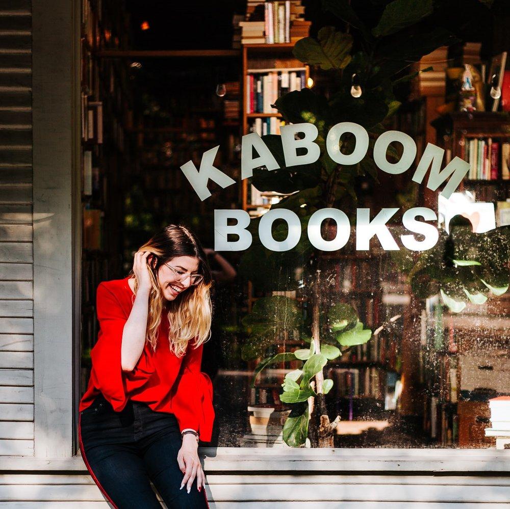 local bookstore senior session // stacey - KABOOM BOOKS HOUSTON TX