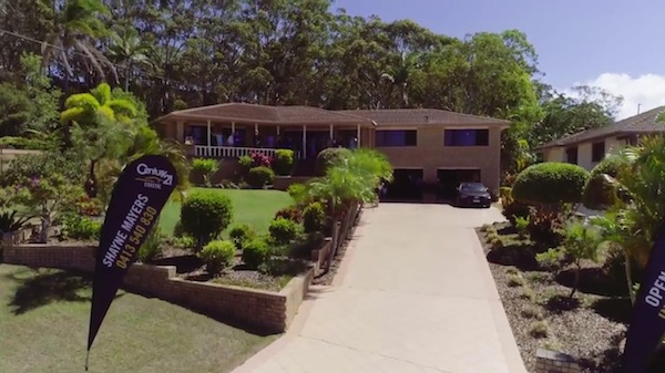 6-musa-place-aroona-sunshine-coast-david-holmes-metro-auctions-real-estate-sold-under-hammer.jpg