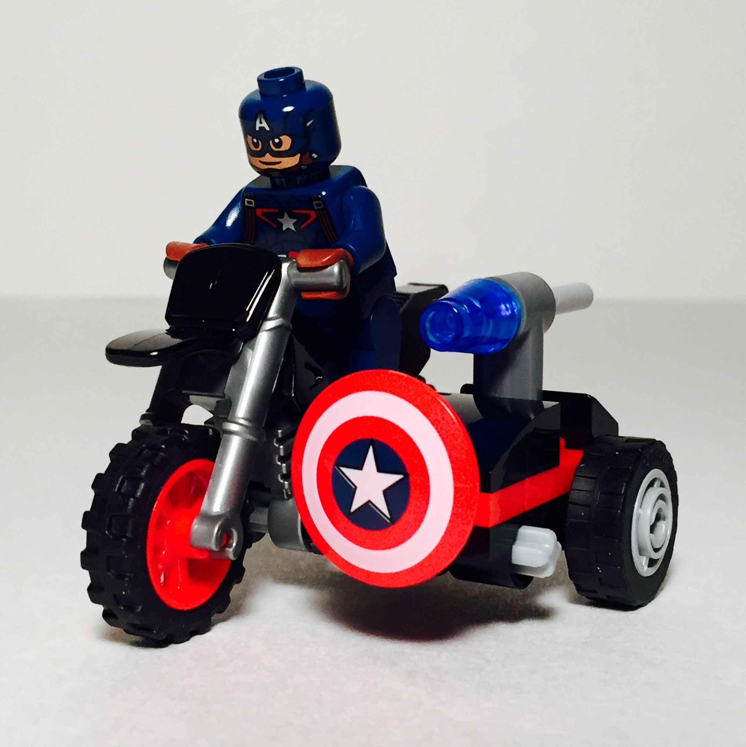 LEGO Marvel Super Heroes Captain America minifigure /& Motorcycle new