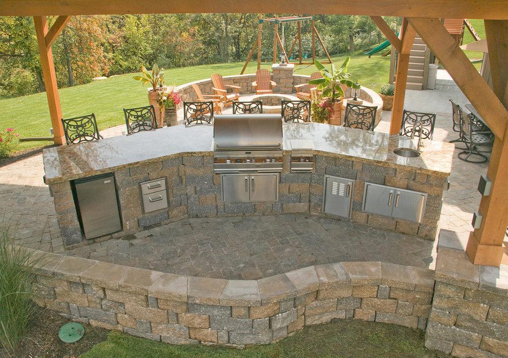 Outdoor kitchen 11.jpg