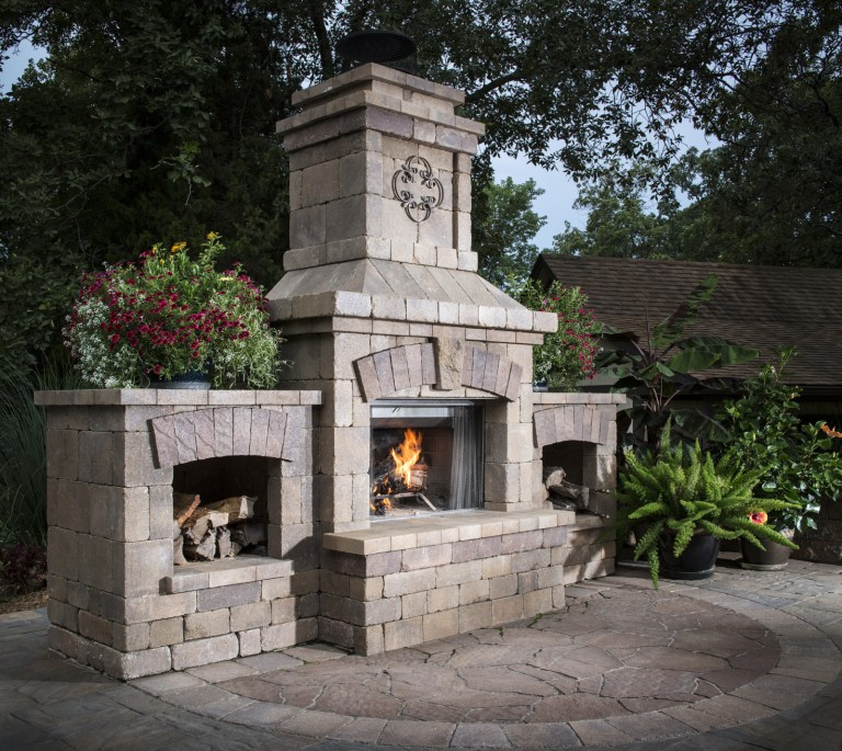MILLER_BEL2017_RES_Patio_Fireplace_CatalinaSlate_MegaArbel_Dublin_BrightonFireplace_001_preview.jpg