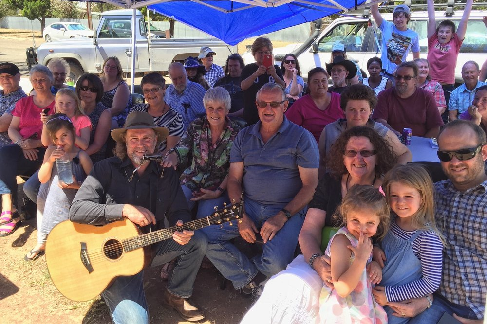 Pictured: Steve with the locals and families from Minnipa and Streaky Bay on the Eyre Peninsula.