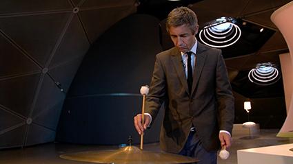 Isa Rosenberger: The Sky is Glass (performer: Rainer Binder-Krieglstein, camera: Reinhard Mayr), video still, 2017