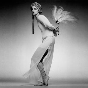 Donna Mitchell, Paris Collections, Vogue, 1975