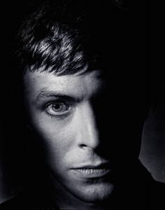 CLIVE_ARROWSMITH_David_Bowie_From_the_Shadows.jpg