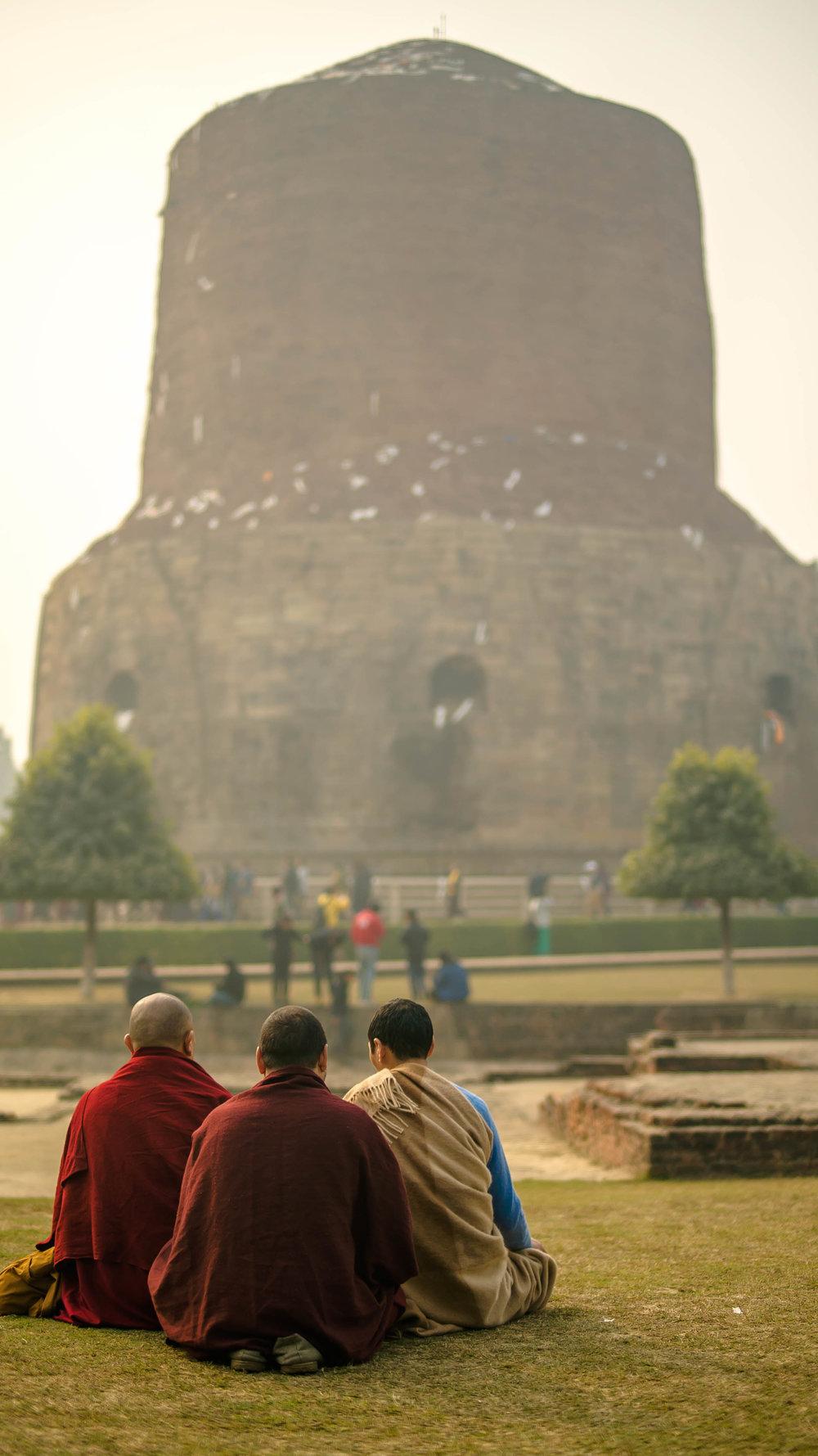 DSC02007Sarnath Lelung + monks.jpg