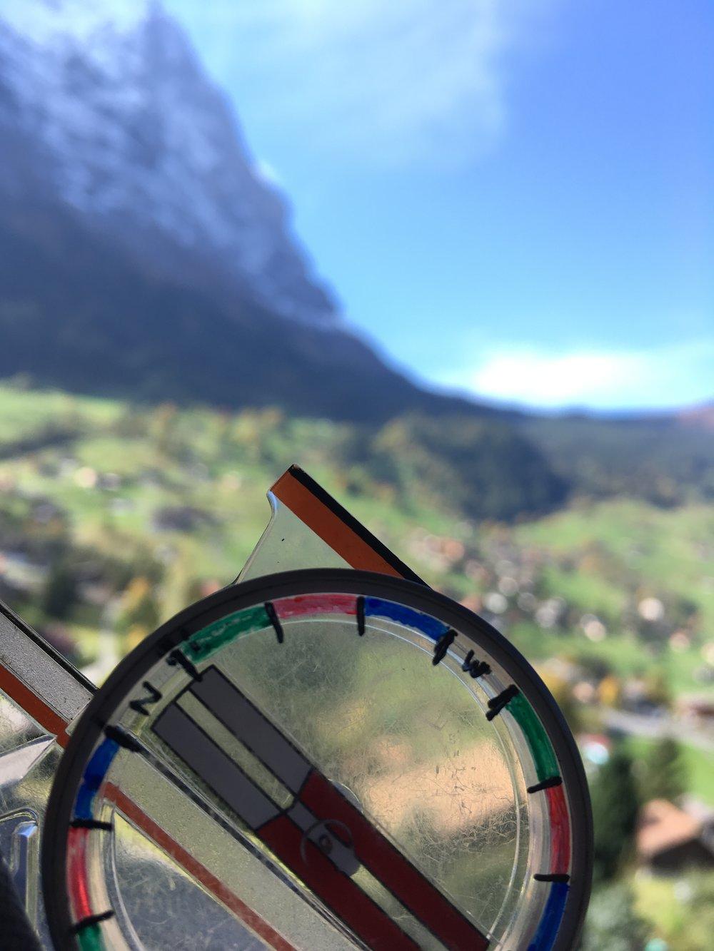 Kompass vor Eigernordwand.
