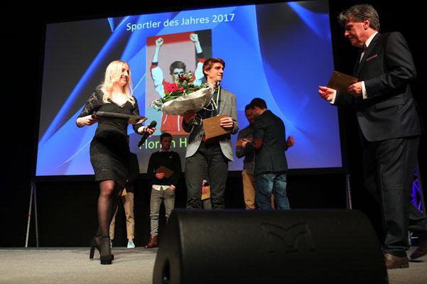 Die Gala wurde moderiert von Sport-Radiolegende Bärnie Schär.