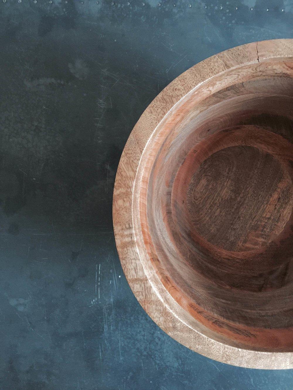 Mangowood Bowl £85 (texture).JPG