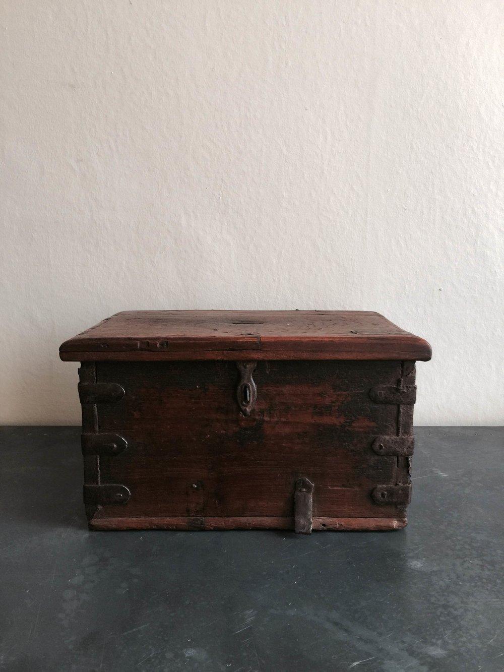 Vintage Cash box Stock no.2455 £120.JPG