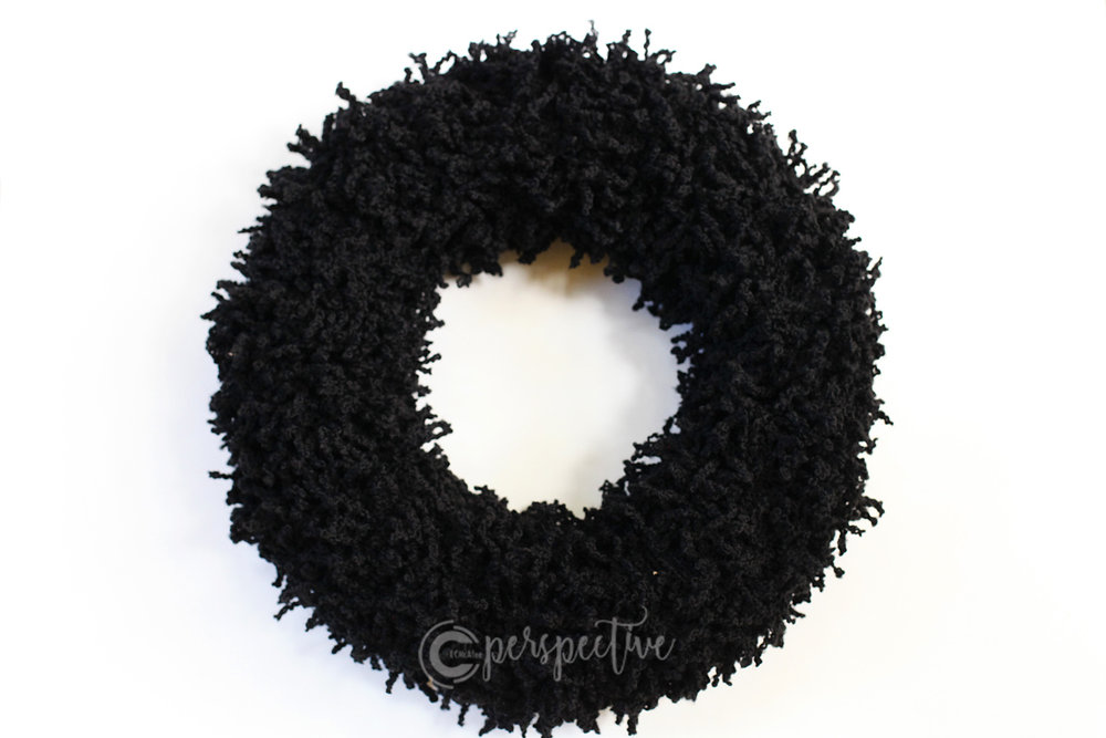 yarn wreath, Halloween wreath