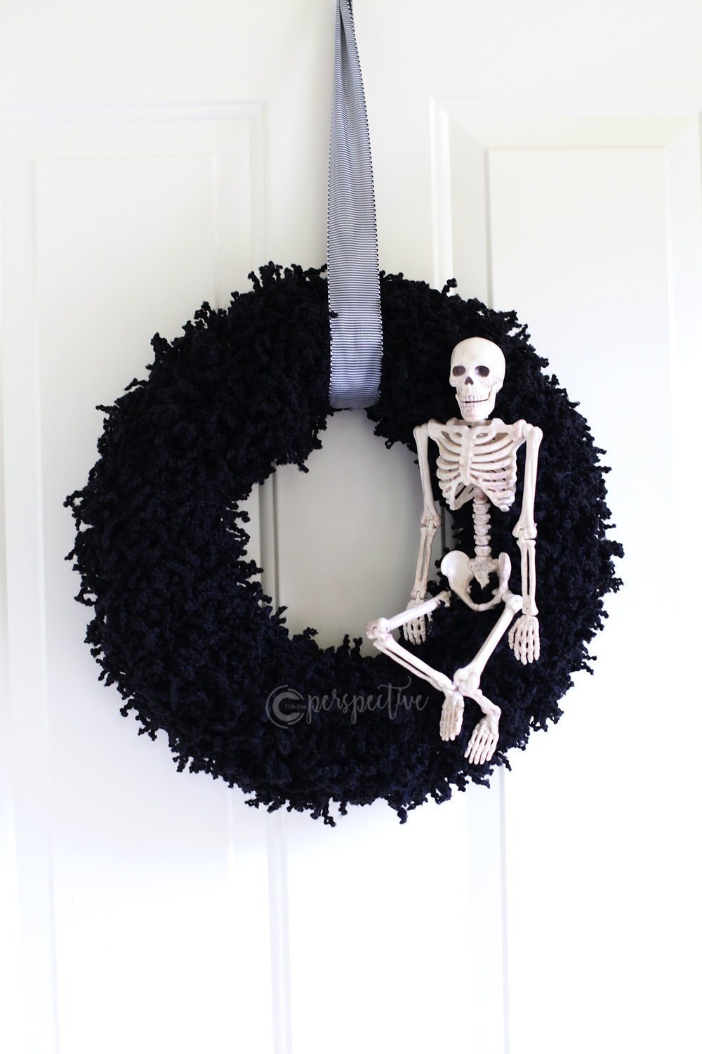 halloween wreath, skeleton wreath