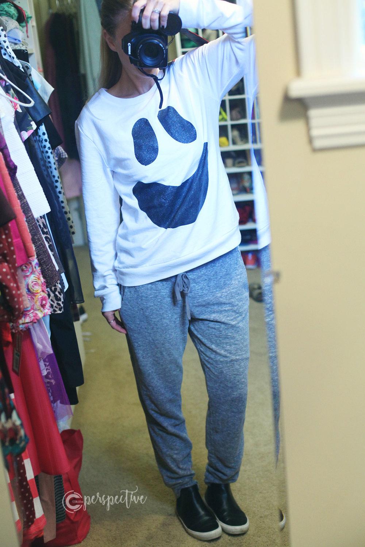 ghost sweatshirt, comfy look, Halloween