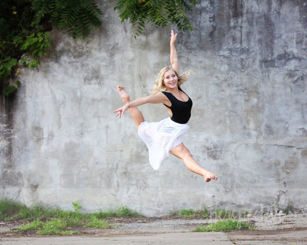 senior photo shoot dance