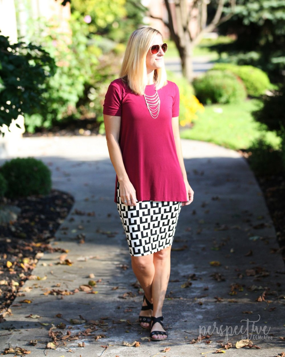 wine top graphic skirt