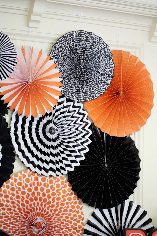 paper fan backdrop (2).jpg