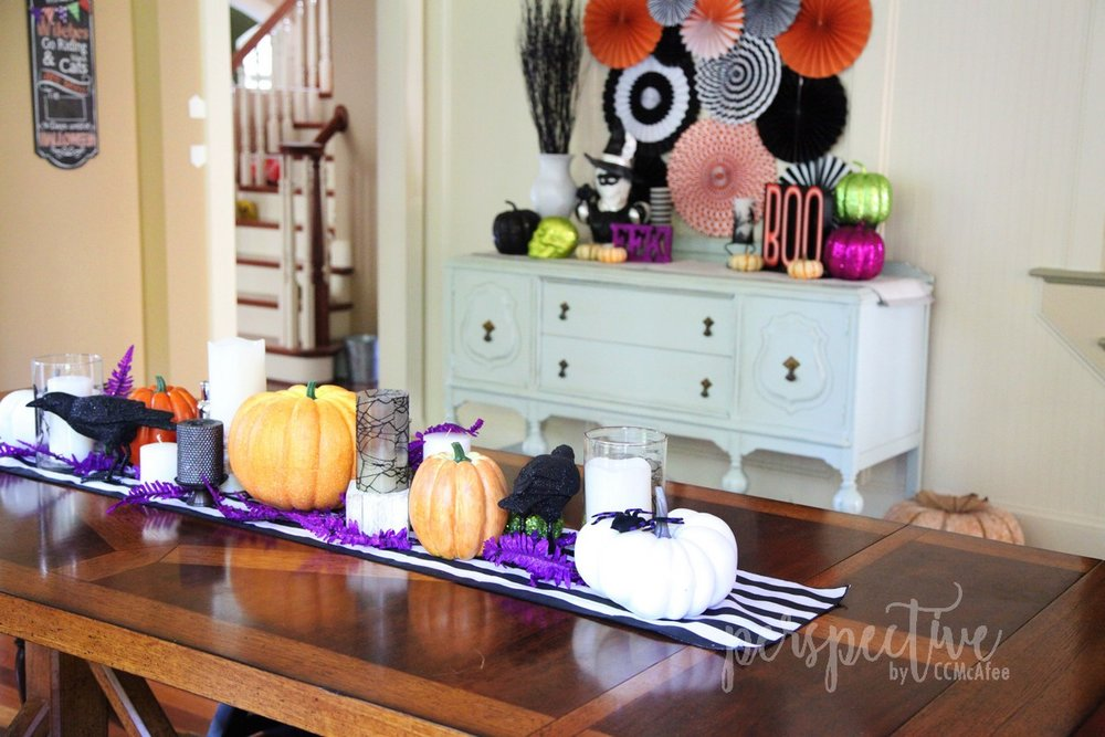 halloween decor kitchen (6).jpg