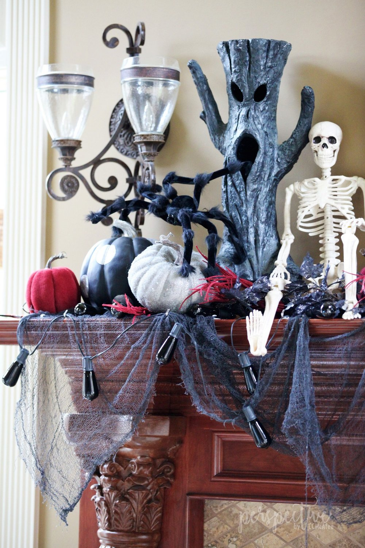 halloween mantle (1).jpg