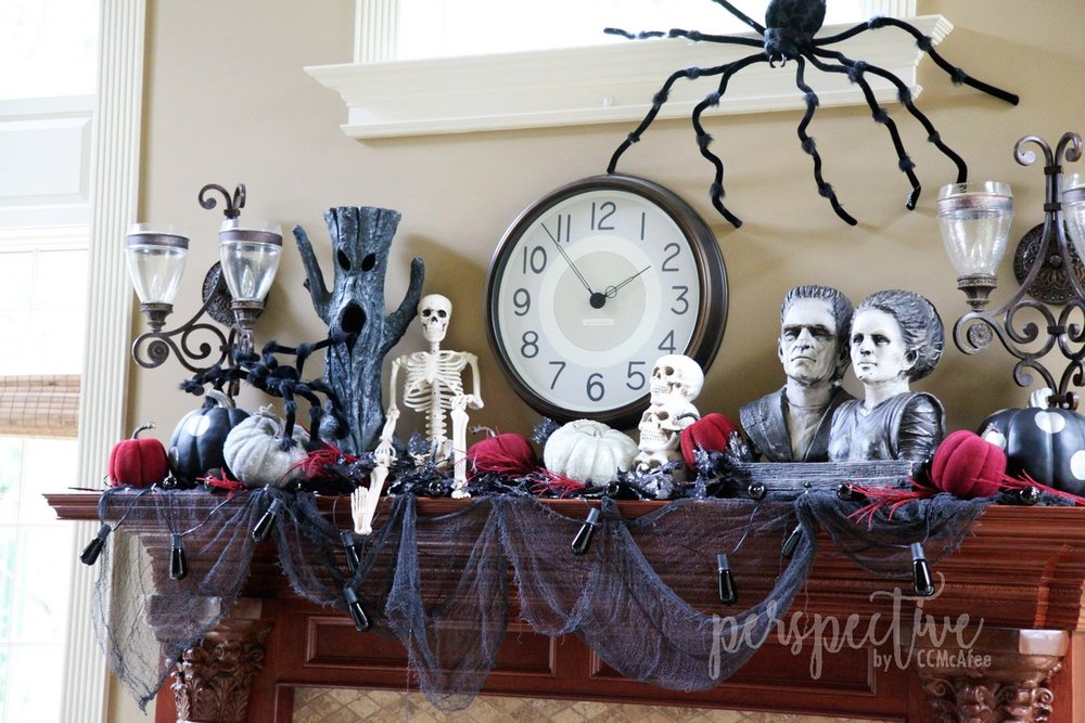 halloween mantle (4).jpg