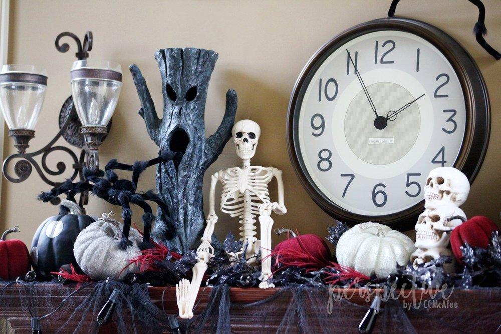 halloween mantle (9).jpg