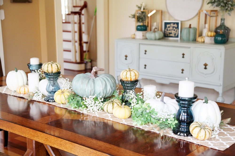 thanksgiving tablescape (3).jpg