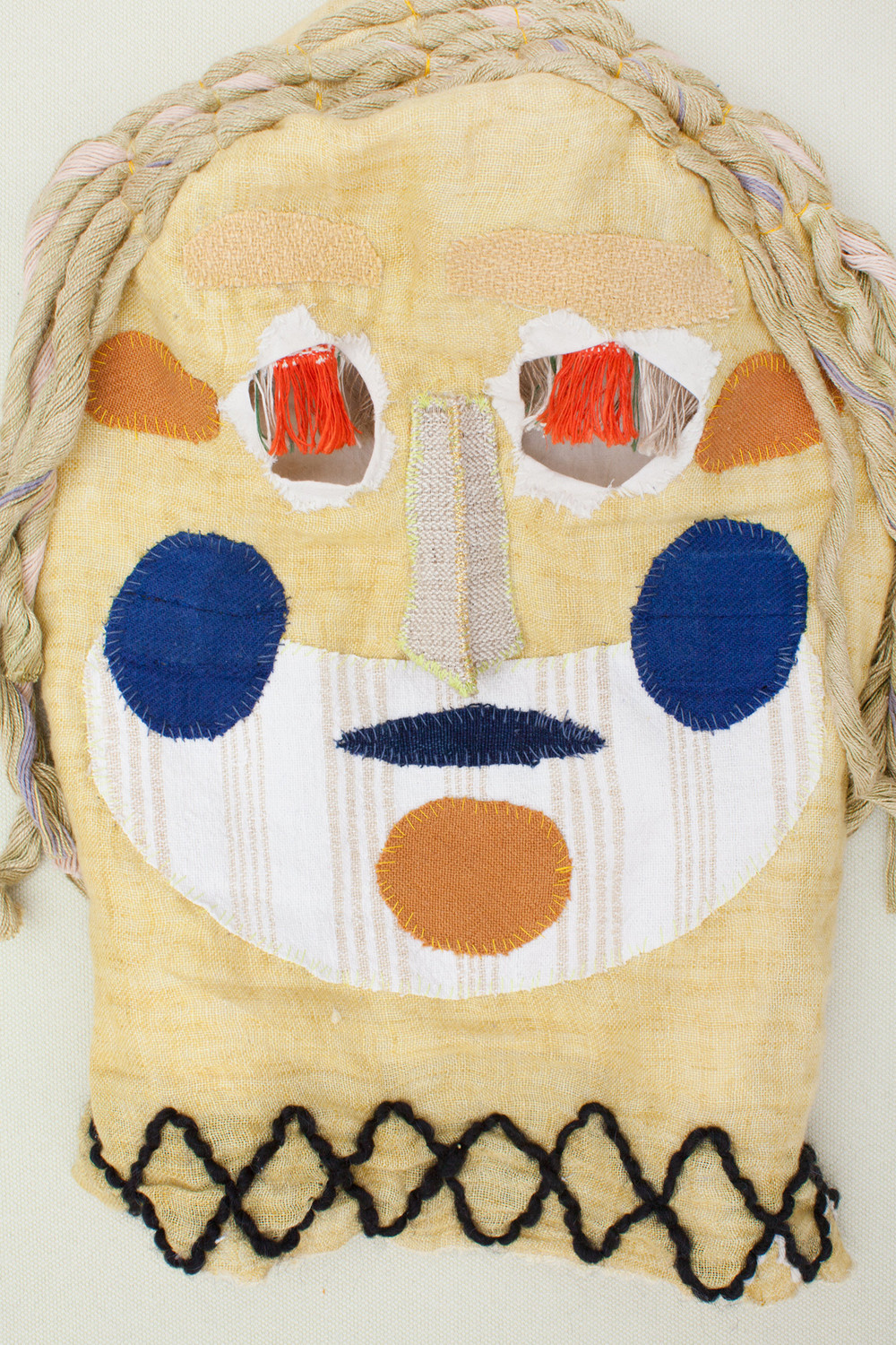 Mask (yellow) / 2016 textiles and div. materials 25 x 25 x 30cm