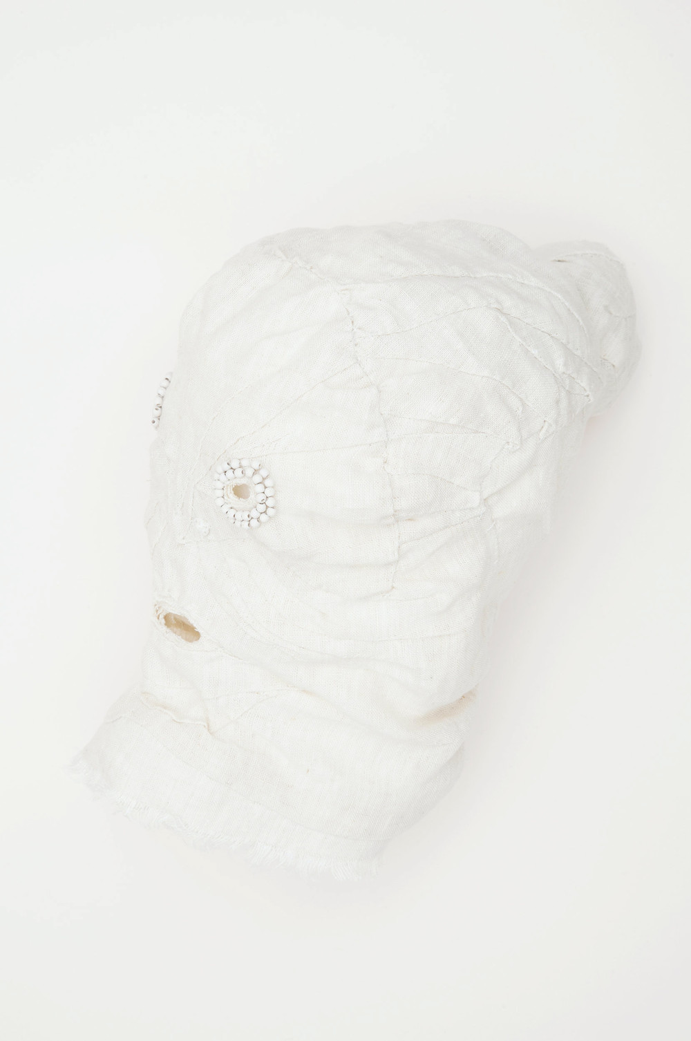 Mask (white) / 2016 textiles and div. materials 25 x 25 x 30cm