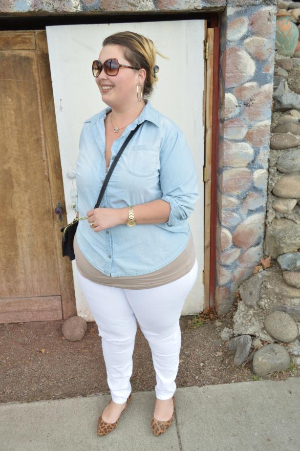 asos, plus size clothing, plus size denim, white pants, denim shirt