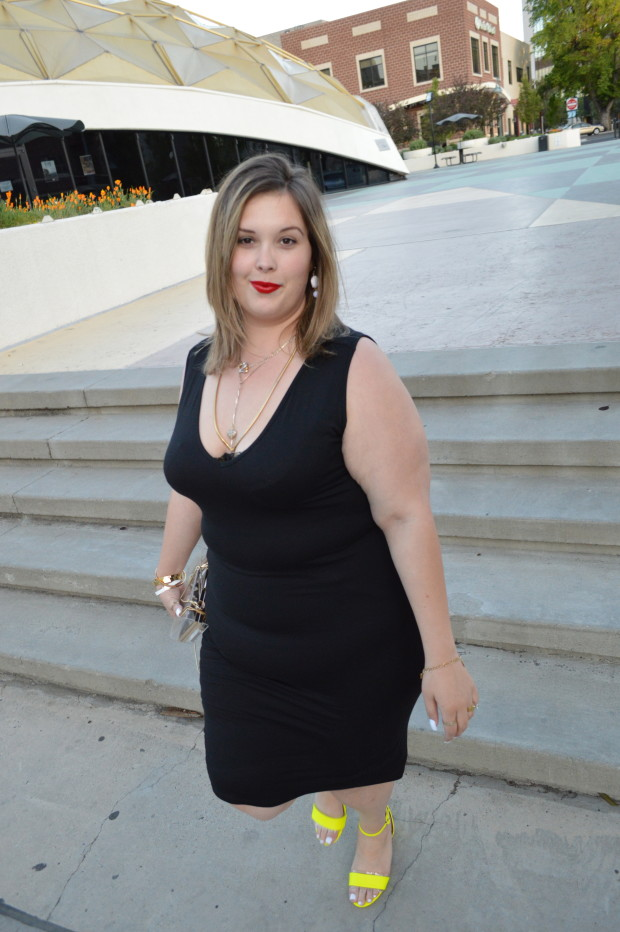 #honormycurves, #CelebrateMySize, plus size dress, asos curve, #BigBlackDress, #LBD, plus size shape wear