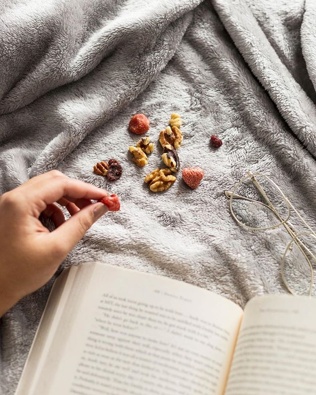 Struggling to get out of bed after the long weekend like... * * * * * #happy #love #yummy #nutrition #delicious #cool #foodie #food #work #morning #workout #fit #bed #cleaneating #nomnom #yummy #like4like #lifestyle #beauty #beautiful #books #reading #fitness #photooftheday #photography #yum #nuts