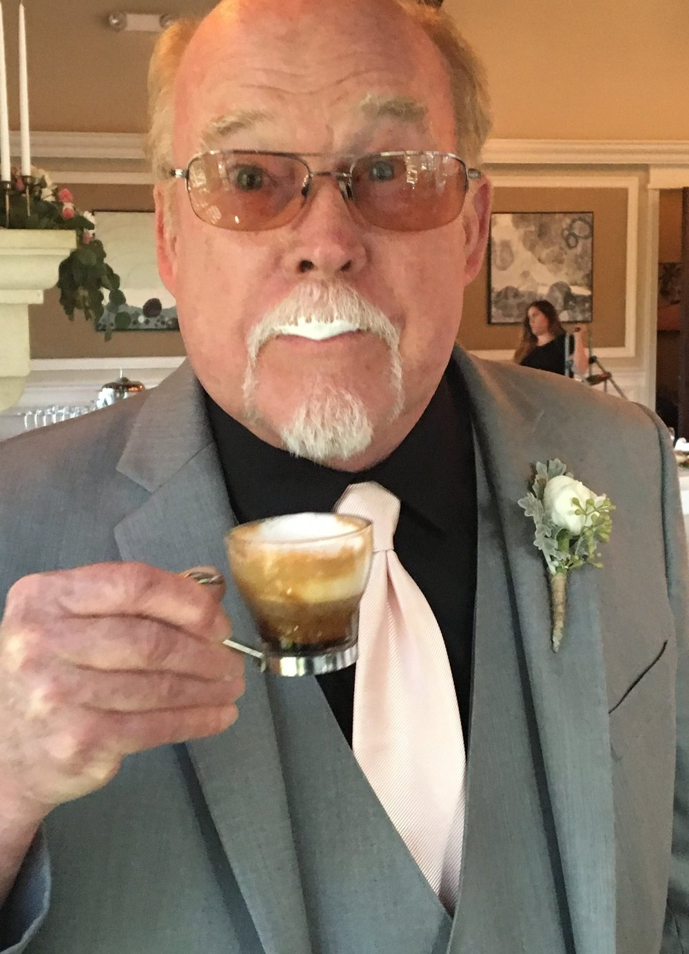 Father of the bride, also our coffee roaster--an honor to serve specialty coffee to this family of coffee connoisseurs on a momentous occasion.