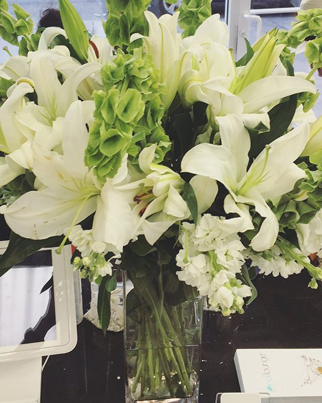 Weekly Delivery by @hunts_point_flowers 💐