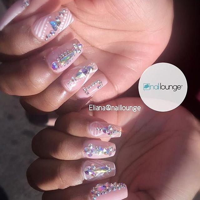 Mawning 💅🏽 • • • #nails #naillounge #nailedbynl #nailart #nailartist #nailswag  #nailpolish #naildesign #nailporn #nail #manicure #nyc #makeup #beauty #fashion #hudabeauty #vegasnay