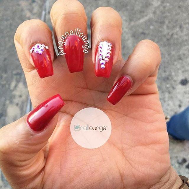 Accepting walk-ins ONLY till 8:30pm 💅🏽 • • • #nails #naillounge #nailedbynl #nailart #nailartist #nailswag  #nailpolish #naildesign #nailporn #nail #manicure #nyc #makeup #beauty #fashion #hudabeauty #vegasnay