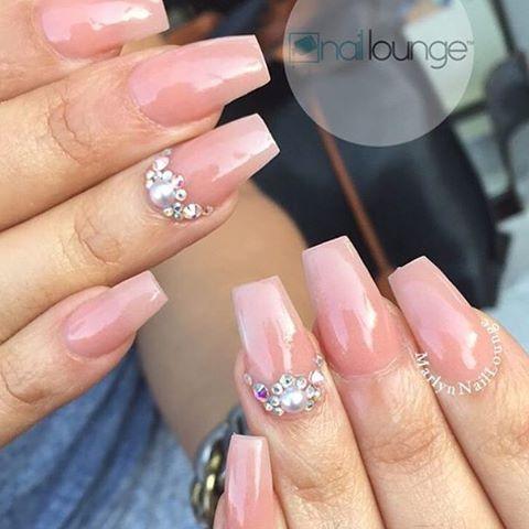 💅🏽 • • • #nails #naillounge #nailedbynl #nailart #nailartist #nailswag  #nailpolish #naildesign #nailporn #nail #manicure #nyc #makeup #beauty #fashion #hudabeauty #vegasnay