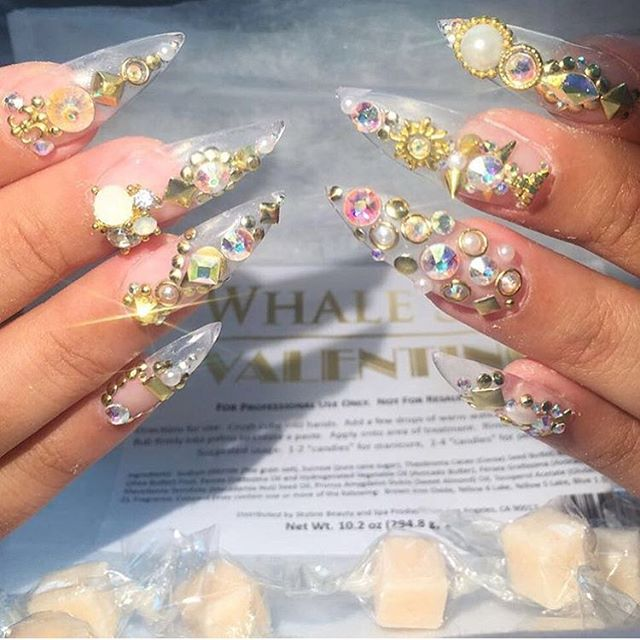 💅🏽 @valentinobeautypure • • • #nails #naillounge #nailedbynl #nailart #nailartist #nailswag  #nailpolish #naildesign #nailporn #nail #manicure #nyc #makeup #beauty #fashion #hudabeauty #vegasnay
