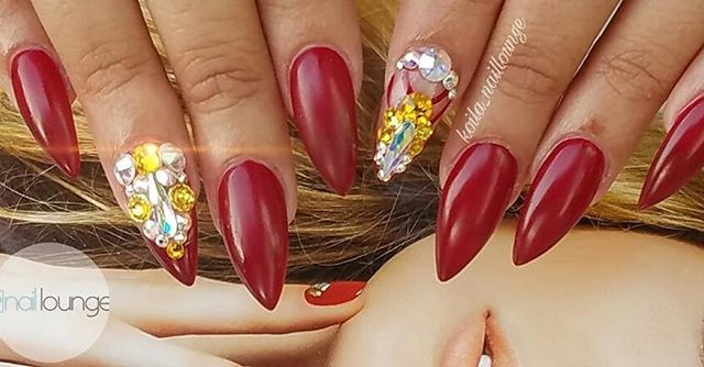 Royal Red 💅🏽 • • • #nails #naillounge #nailedbynl #nailart #nailartist #nailswag  #nailpolish #naildesign #nailporn #nail #manicure #nyc #makeup #beauty #fashion #hudabeauty #vegasnay