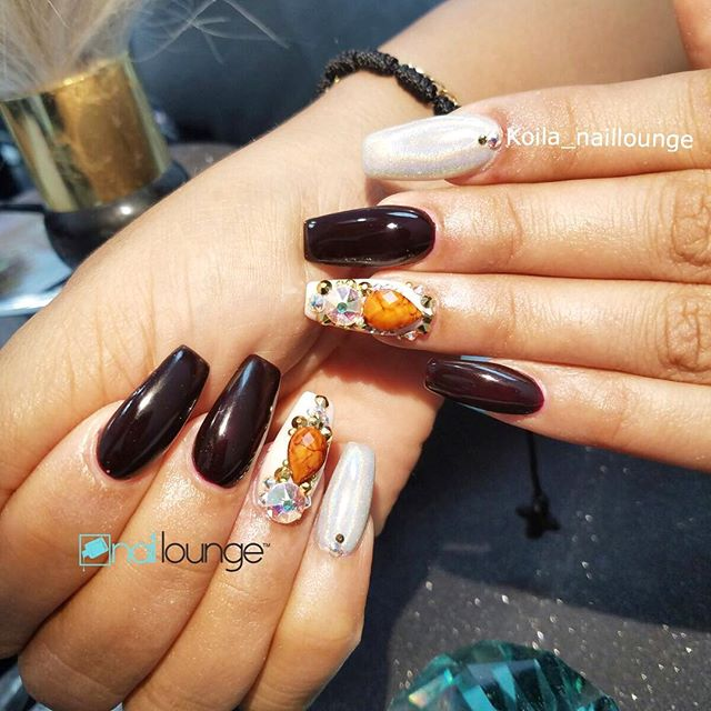 💅🏽🍾 • • • #nails #naillounge #nailedbynl #nailart #nailartist #nailswag  #nailpolish #naildesign #nailporn #nail #manicure #nyc #makeup #beauty #fashion #hudabeauty #vegasnay