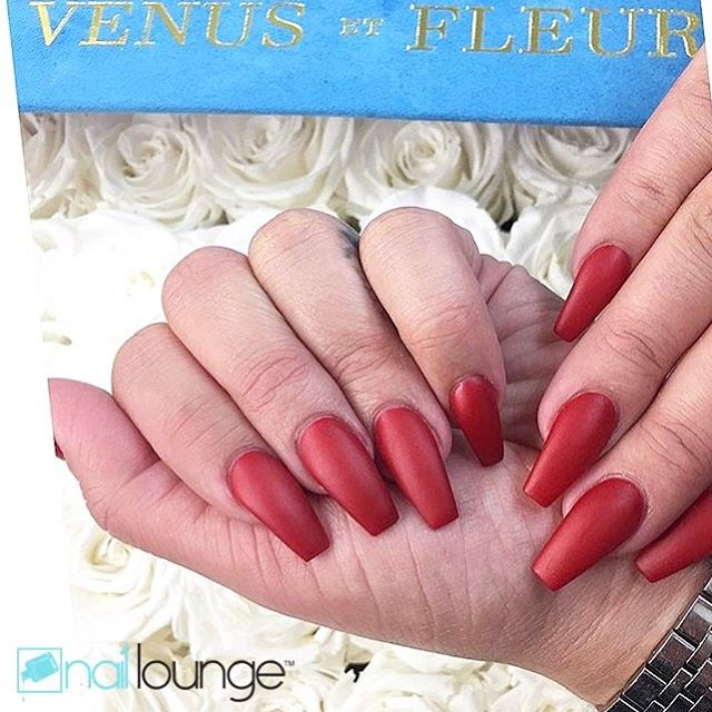 When in doubt...Matte Red Nails 💅🏽 #matte #red #haute #valentines #nails #venusetfleur #naillounge #nailedbynl