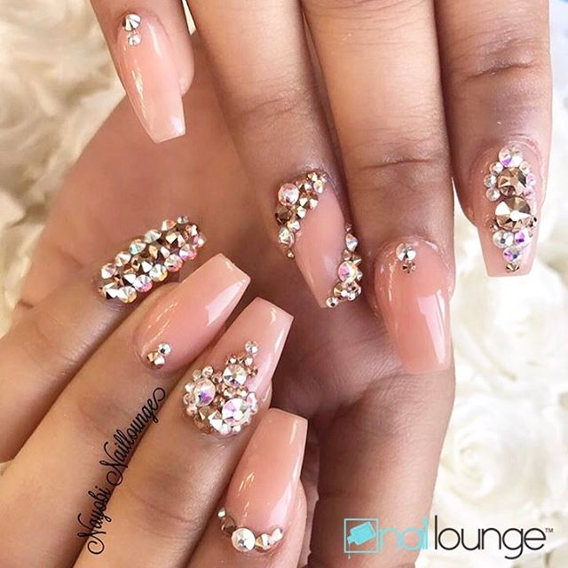 What a beautiful Sunday it is?? We are accepting walk-ins till 6pm 💅🏽