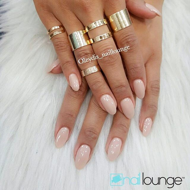 Start your Sunday with a set of Beautiful Nails 💅🏽 Hours of operation on Sunday are 12-6pm accepting walk-ins only!! #nails #naillounge #nailedbynl #nailart #nailartist #nailswag  #nailpolish #naildesign #nailporn #nail #manicure #nyc #makeup #beauty #fashion #hudabeauty #vegasnay #nailsmagazine #wakeupandmakeup #nailedit #nailspro #nailsonfleek #nailsofinstagram #nailstagram #nailsdone