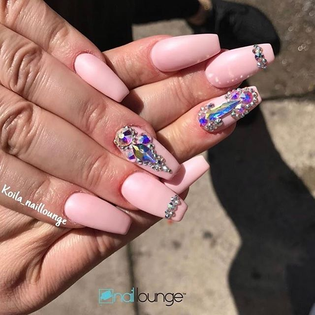 Good morning Ladies!! Don't forget that Nail Lounge open at 12pm on Monday today!! We look forward to nailing some great nails today!! 💅🏽 #nails #naillounge #nailedbynl #nailart #nailartist #nailswag  #nailpolish #naildesign #nailporn #nail #manicure #nyc #makeup #beauty #fashion #hudabeauty #vegasnay #nailsmagazine #wakeupandmakeup #nailedit #nailspro #nailsonfleek #nailsofinstagram #nailstagram #nailsdone