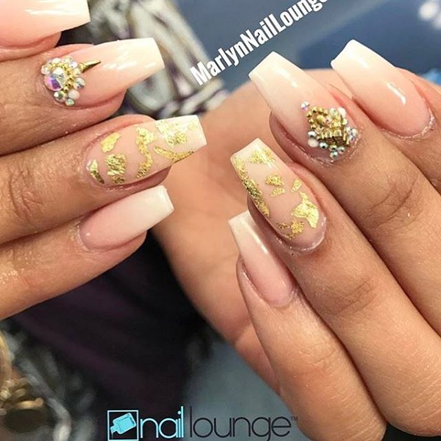 Gold Flakes 🍂  #nails #naillounge #nailedbynl #nailart #nailartist #nailswag  #nailpolish #naildesign #nailporn #nail #manicure #nyc #makeup #beauty #fashion #hudabeauty #vegasnay #nailsmagazine #wakeupandmakeup #nailedit #nailspro #nailsonfleek #nailsofinstagram #nailstagram #nailsdone