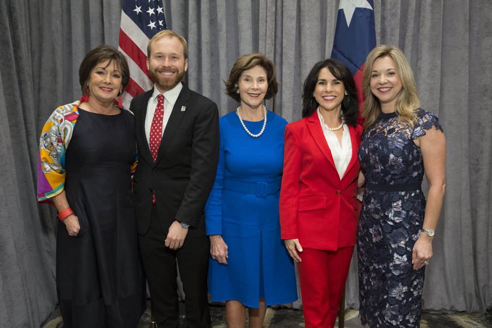 Cathy Cleary, Pierce Bush, Laura Bush, Maria Bush, Julie Baker Finck; Photo by Jenny Antill.jpg