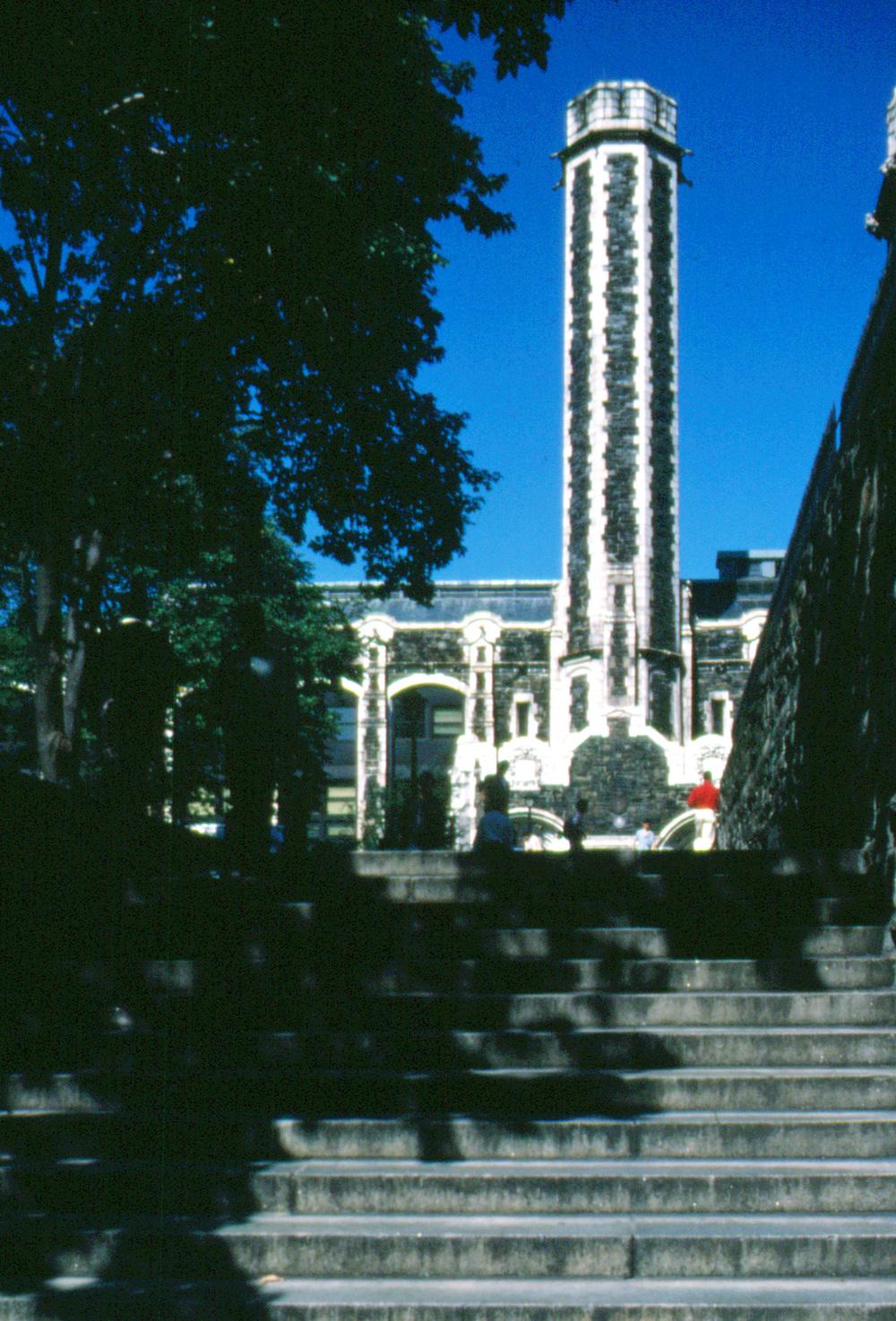 Com&Go - Exterior - Artist Building.jpg