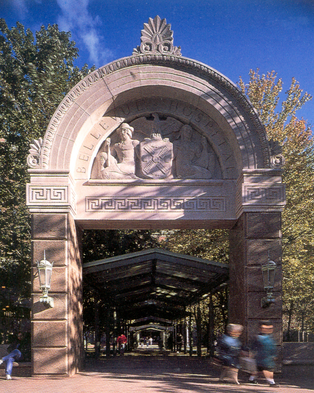Bellevue Entrance 800dpi.jpg