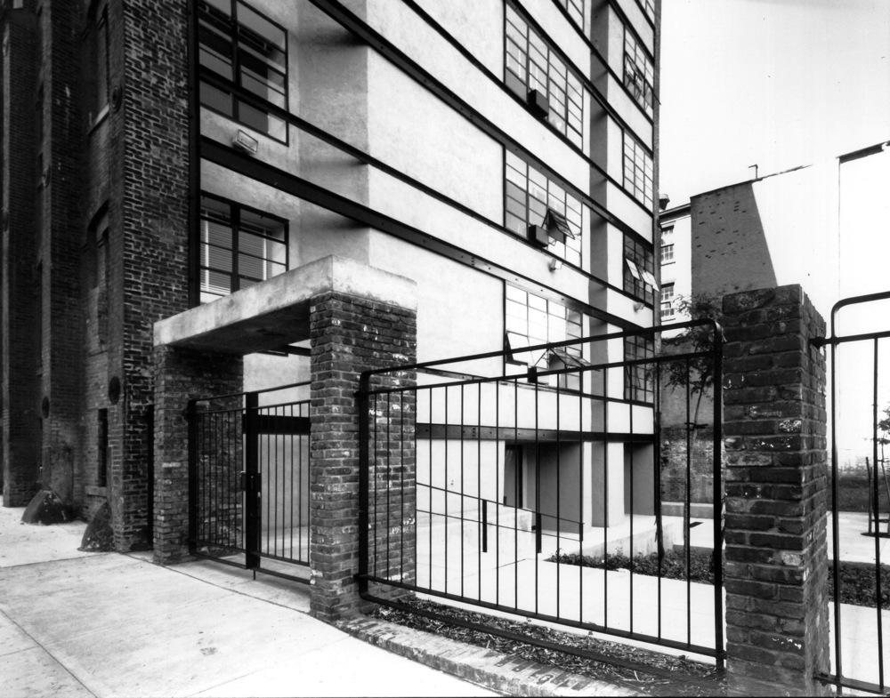 Henry Street - Gate2.jpg